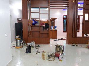 Lau dọn vệ sinh nhà vào dịp Tết ở Hà Tĩnh